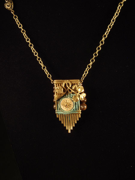 Image of Lady A. Wardle Carry necklace